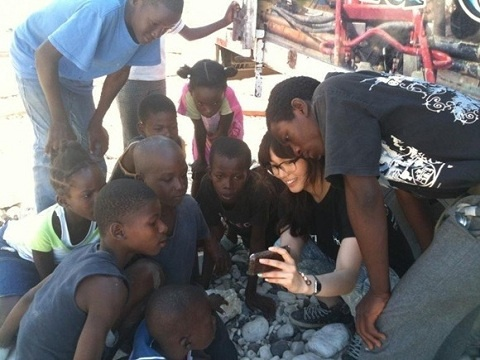 Wonder Girls' Sun Ye Volunteers in Haiti