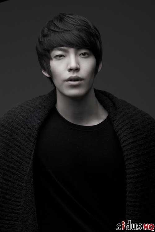 Kim Hyun Joong Changes Name to Kim Woo Bin and Signs with sidusHQ