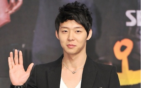 "Park Yoo Chun Resumes Filming for ""Rooftop Prince"" for the First Time after Father's Passing"