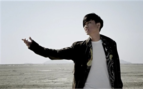 "Tablo Releases ""Tomorrow"" MV feat. Taeyang"