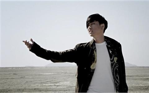 "Tablo Releases ""Tomorrow"" MV feat. Taeyang"
