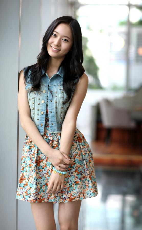 f(x)'s Krystal Reveals a Cute Selca | Soompi F(x) Krystal Selca