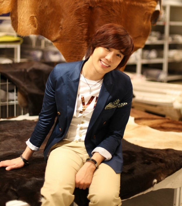 Park Jung Min is All Smiles