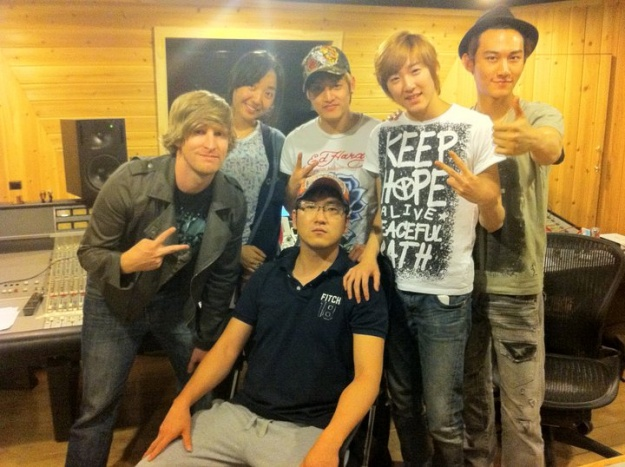 JD Relic's Trip to Korea; Meets Up With U-Kiss