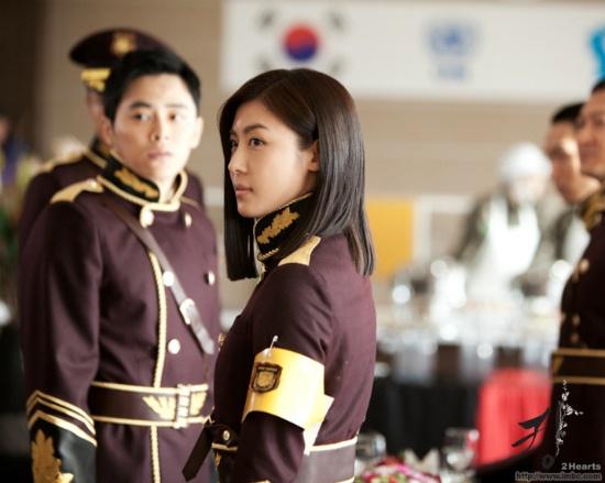 "Ha Ji Won in Military Uniform for ""The King 2hearts"""