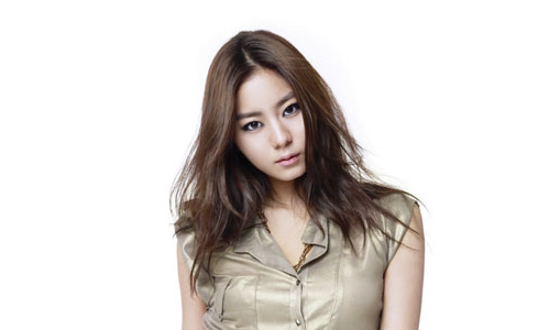 "Uee in Talks to Headline Drama ""Golden Rainbow"""