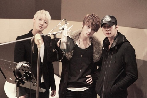 Junsu Sends Words of Support to JYJ