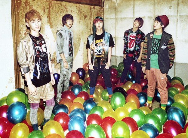 SHINee Sets New Record in Japan