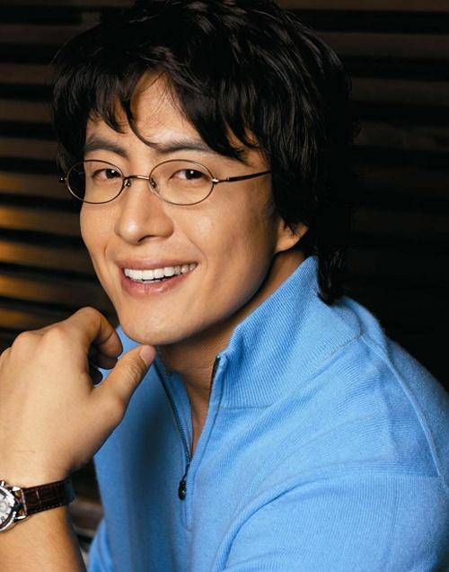 Bae Yong Joon to Debut Idol Group