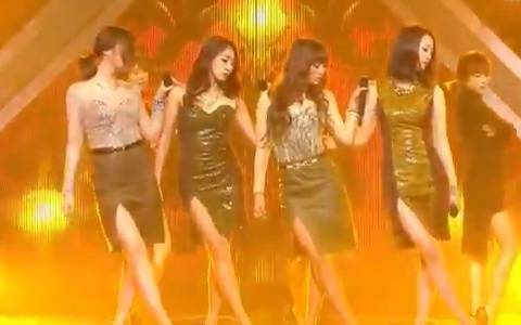 "SISTAR's ""Alone"" Performance on Music Core"