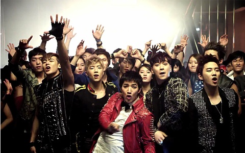 "2PM releases MV for ""Hands Up"""