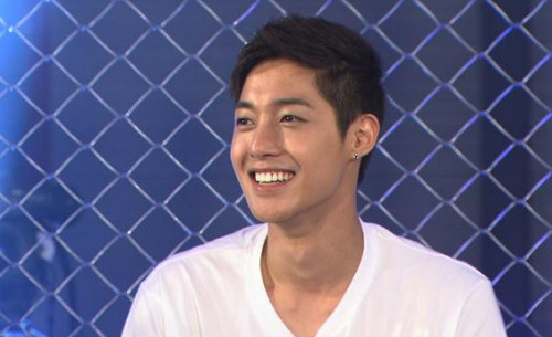 Kim Hyun Joong's Hips Popped Up Out of the Water During Bali Photo Shoot?
