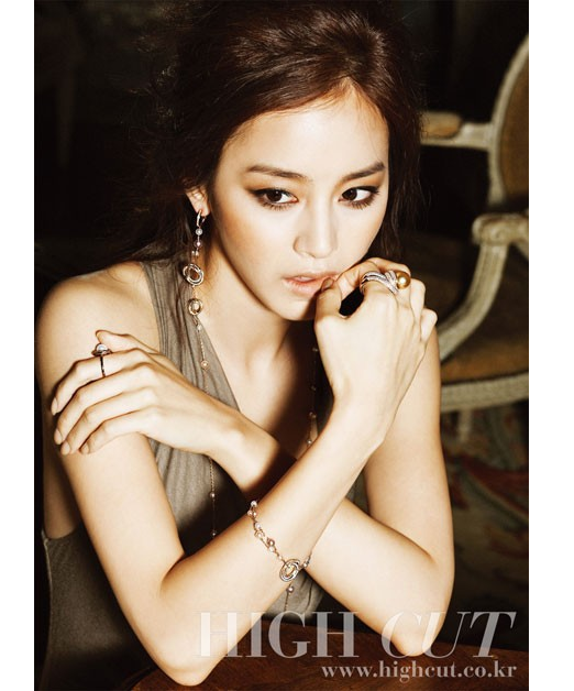 Kim Tae Hee Wears Jewelry Worth $10 Million USD for Photo Shoot