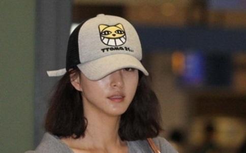Han Ye Seul Denies Dating Rumor, Considering Lawsuit