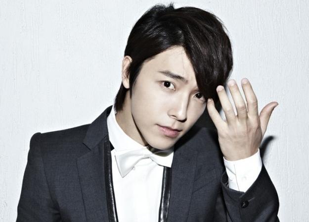 Super Junior's Donghae Reveals the Korean Jason Mraz?