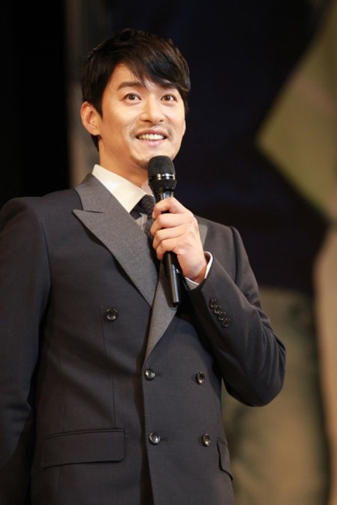 Joo Jin Mo to Make Singing Debut