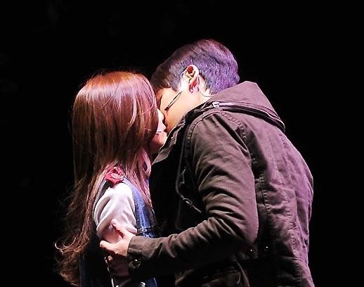T-ara's Hyomin Shares Kiss with Run Instead of Lee Jang Woo