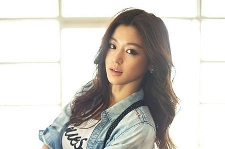 Jeon Ji Hyun First Korean Actress to Grace the US Edition of Vogue