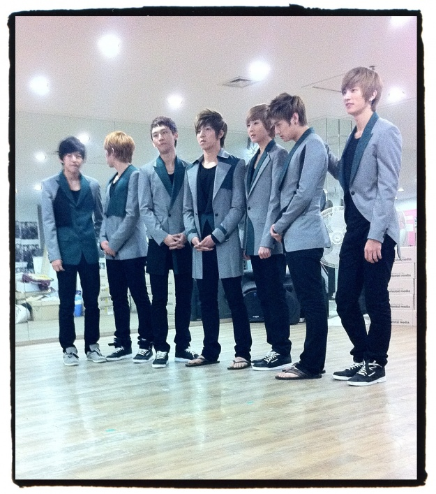 "Kevin Woo: ""Today is U-KISS's 3rd Year Anniversary of Our First Stage"""