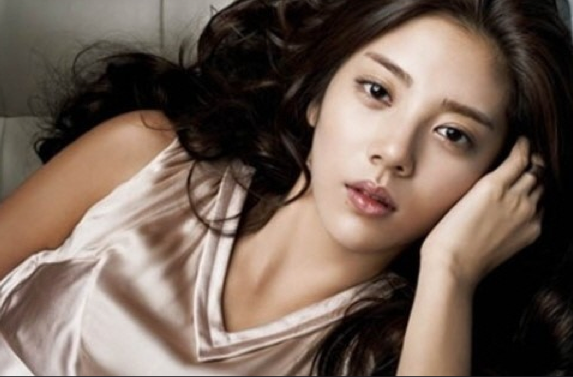 Son Dam Bi to Make a Comeback in June
