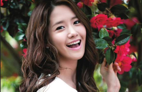 SNSD YoonA a Living Porcelain Doll?!