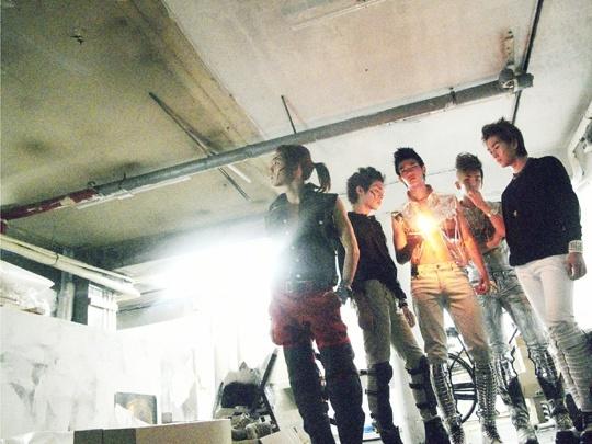 SHINee Releases Lucifer MV
