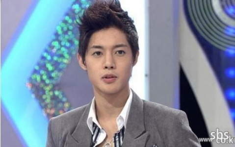 Kim Hyun Joong Earned $100K Working Part-time Before Debut!