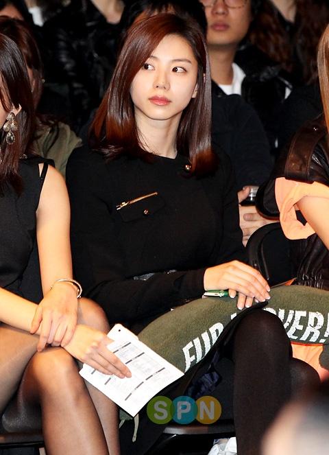 Park Seung Gun (pushBUTTON) 2011 F/W Seoul Fashion Week