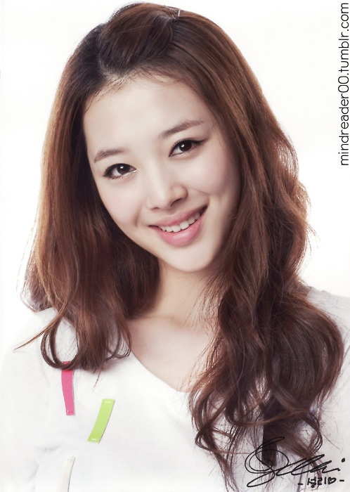 f(x) Sulli Thinks She is Among the Top Ten Most Beautiful Girl Group Members
