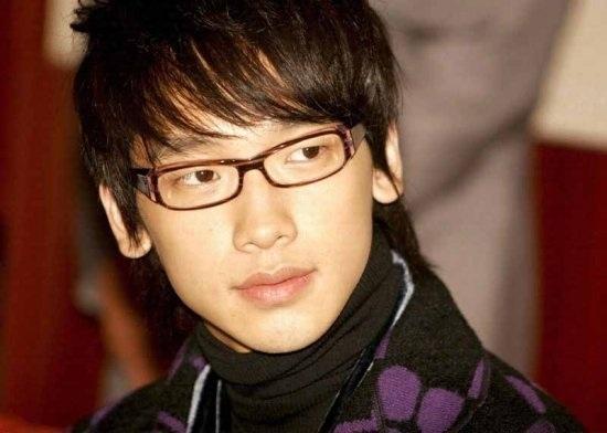 """Rain Shows Off """"Haughty"""" Jang Gooni"""